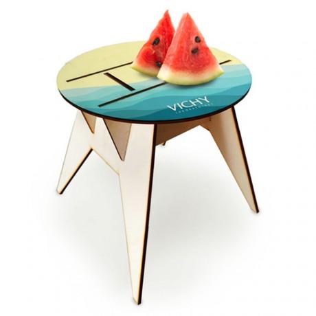 שולחן מתקפל לחוף הים