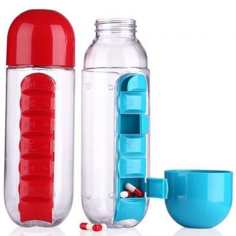 בקבוק שתייה עם ארגונית לתרופות